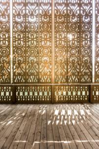 villa am see in sterreich orientalische tapete. Black Bedroom Furniture Sets. Home Design Ideas