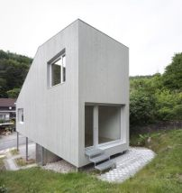 minihaus in kaiserslautern spielbox auf stelzen architektur und architekten news. Black Bedroom Furniture Sets. Home Design Ideas