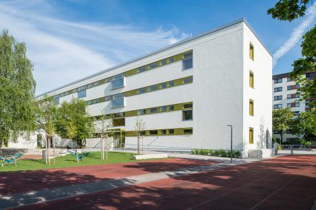 Theresen Grundschule Germering gruber popp architekten bda berlin architekten baunetz architekten profil baunetz de