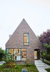 h user award 2018 vergeben die sch nheit der dachschr ge architektur und architekten news. Black Bedroom Furniture Sets. Home Design Ideas