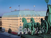 Hotel Adlon am Brandenburger Tor in Berlin, 1997